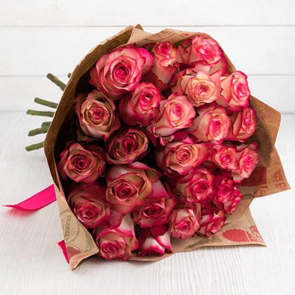 Букет роза бело-розовая 27 шт