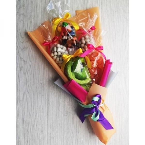 Букет из сухофруктов, цукатов и орехов Семицветик 500г