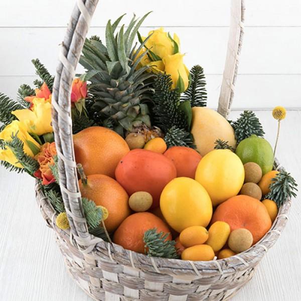 Корзина с фруктами Желтая мечта